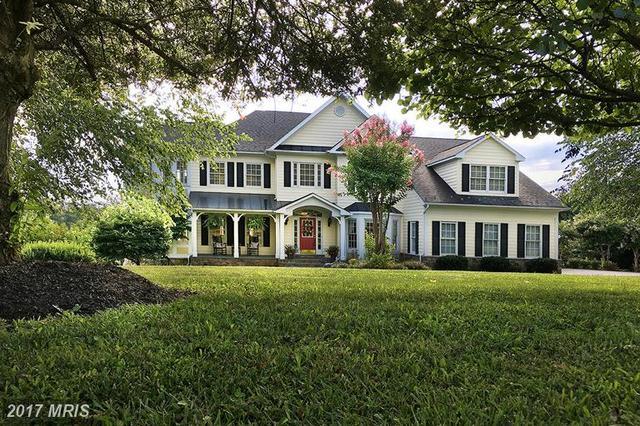 17240 Brookdale Ln, Round Hill, VA 20141