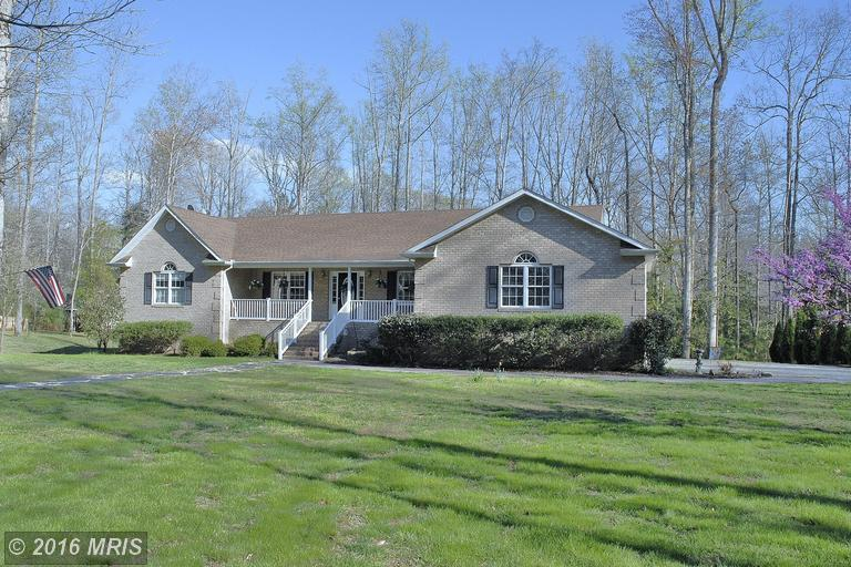 395 Holly Haven Rd, Weems, VA 22576