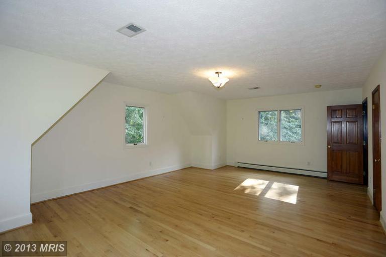 12308 Piney Glen Ln, Potomac MD 20854