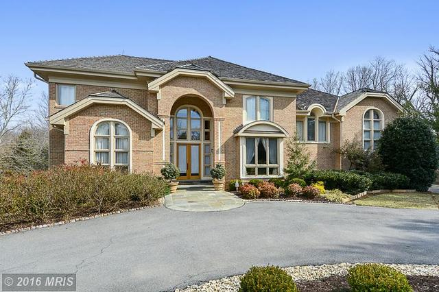 9809 Bentcross Dr, Potomac, MD