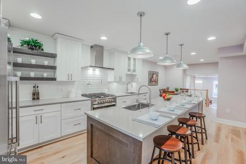 Incredible Canton Baltimore Md 4 Bedroom Houses For Sale Movoto Home Interior And Landscaping Ferensignezvosmurscom