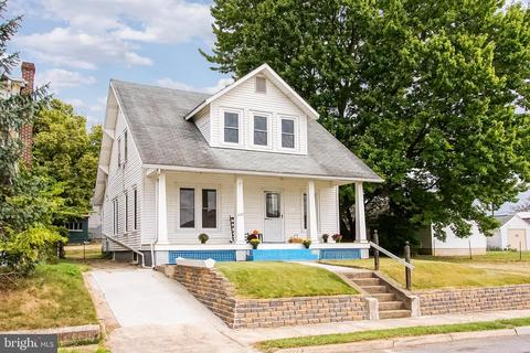 Peachy 722 Hagerstown Homes For Sale Hagerstown Md Real Estate Home Interior And Landscaping Dextoversignezvosmurscom