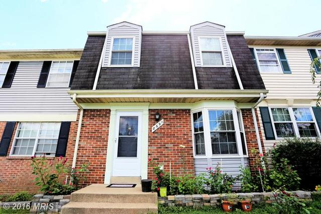 8691 Point Of Woods Dr, Manassas, VA 20110
