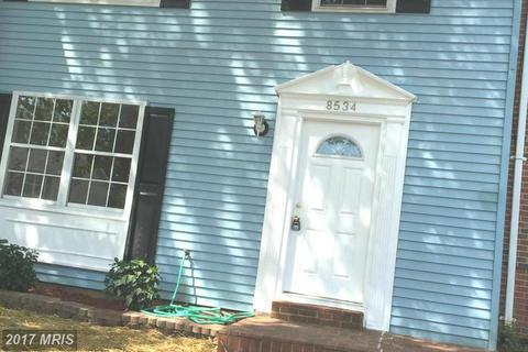 8534 White Pine Dr, Manassas Park, VA 20111