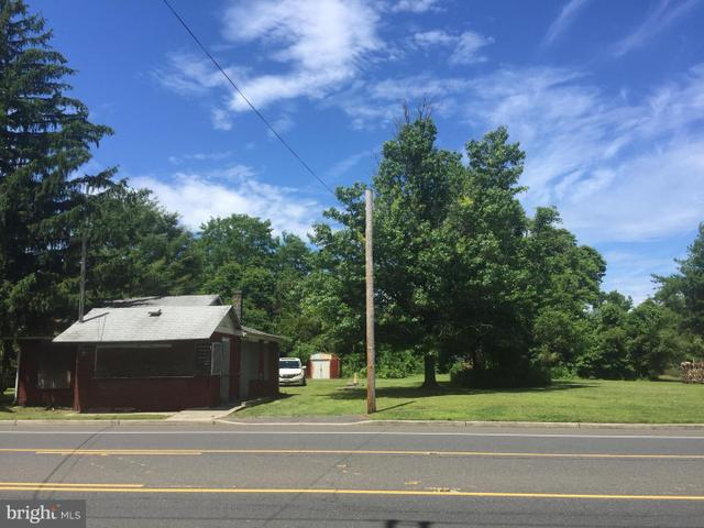 315 Borton Landing Rd, Moorestown, NJ 08057
