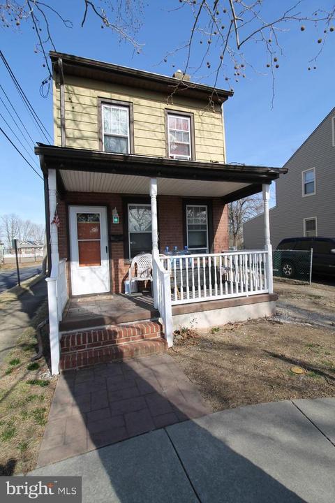 901 Ridgeway St, Gloucester City, NJ 08030