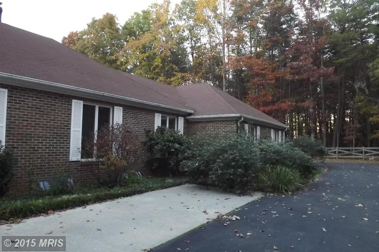 27025 Mountain View Dr, Rhoadesville, VA