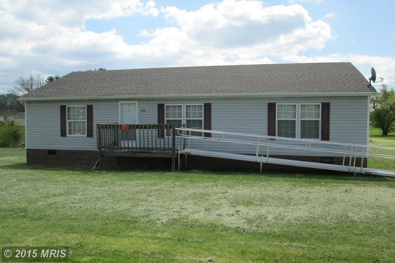 146 Memorial Dr, Stanley, VA 22851