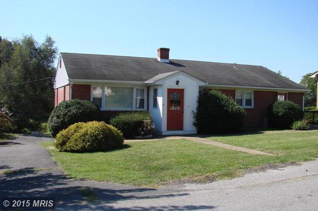 10 Terrace Ln, Luray, VA 22835