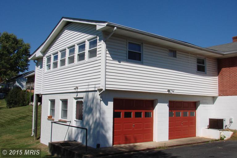 10 Terrace Ln, Luray, VA
