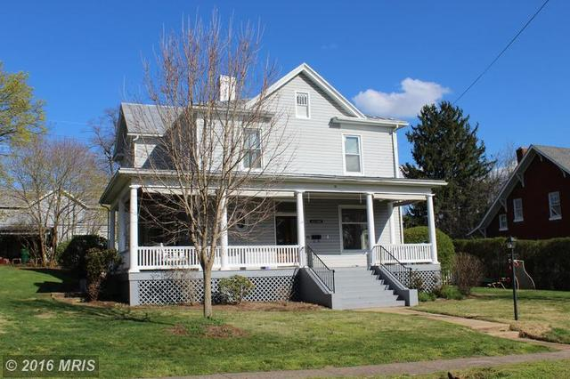 15 Blue Ridge Ave, Luray, VA