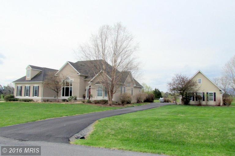 423 Beall Avenue, Luray, VA 22835