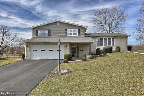 102 Old Farm Rd, Hummelstown, PA 17036