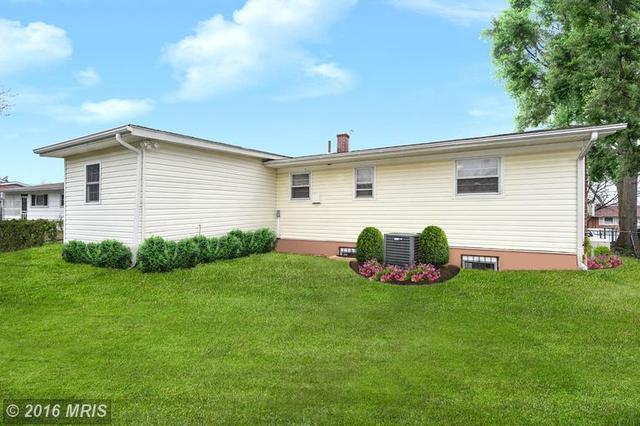 307 Ellsworth Pl, Oxon Hill MD 20745