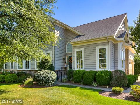 6751 Arthur Hills Dr, Gainesville, VA 20155