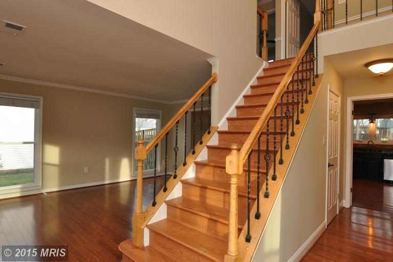 8133 Tall Timber Dr, Gainesville, VA