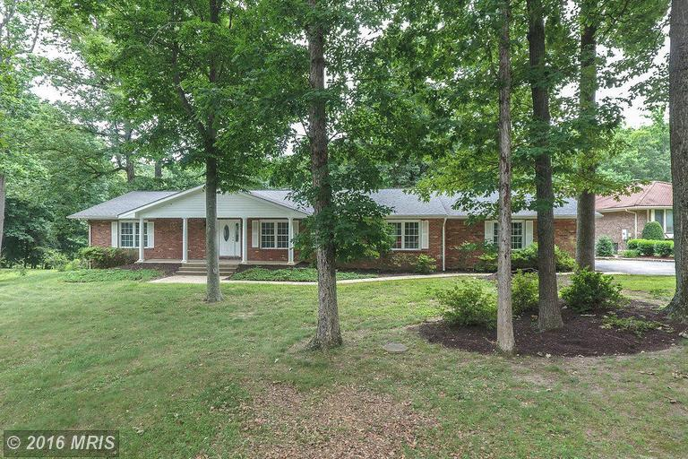 18701 Red Maple Ct, Triangle, VA 22172