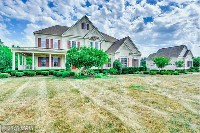 10870 Meadow Walk Ln, Bristow, VA 20136
