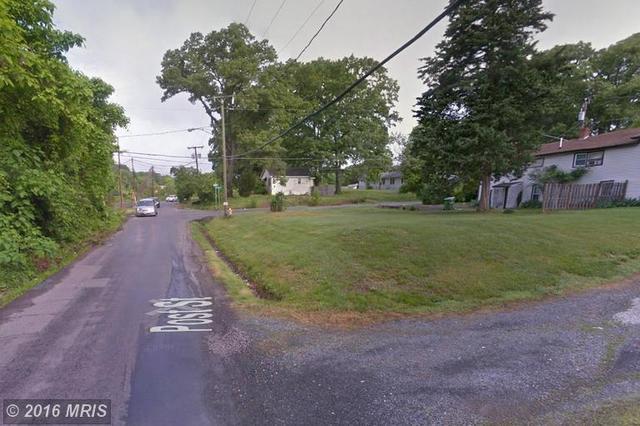 4008 Post St, Triangle, VA 22172
