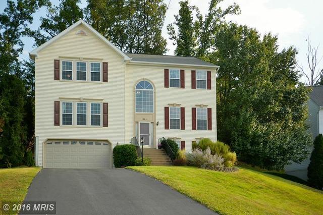 15631 Wheatfield Rd, Woodbridge, VA 22193