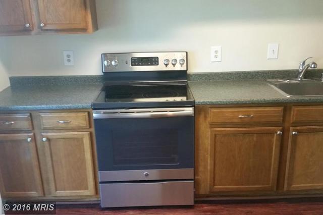 12651 Castile Ct, Woodbridge, VA 22192