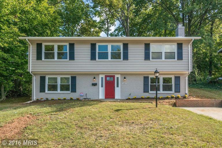 14807 Cloverdale Rd, Woodbridge, VA 22193