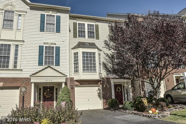 8061 Montour Heights Dr, Gainesville, VA 20155