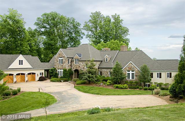 1679 N Poes Rd, Flint Hill, VA 22627