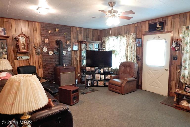 509 Fodderstack Road, Washington, VA 22747
