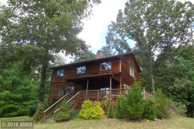 99 Poplar Hollow Ln, Castleton, VA 22716