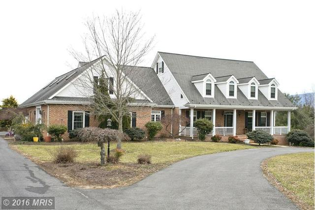 256 Cliffside Dr, Edinburg, VA 22824