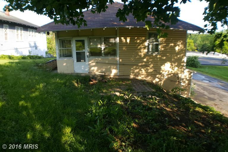496 Massanutten Street, Strasburg, VA 22657