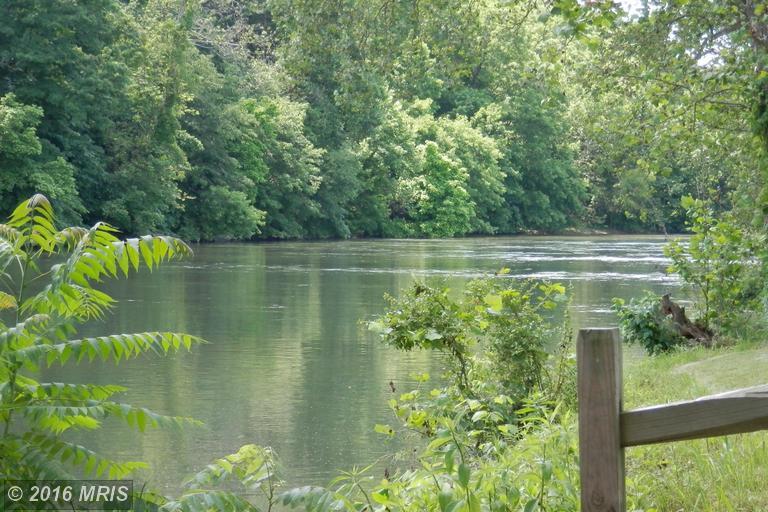 River Road, Woodstock, VA 22664