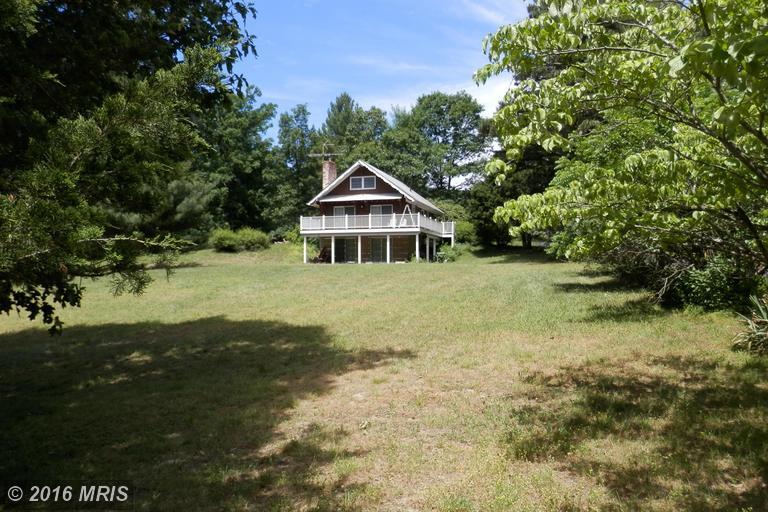 962 Camp Roosevelt Road, Fort Valley, VA 22652