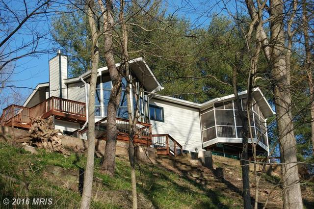 419 Indian Camp Trl, Maurertown, VA 22644