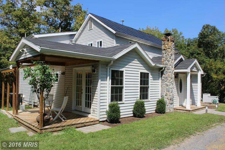 210 Hahns Lane, Toms Brook, VA 22660