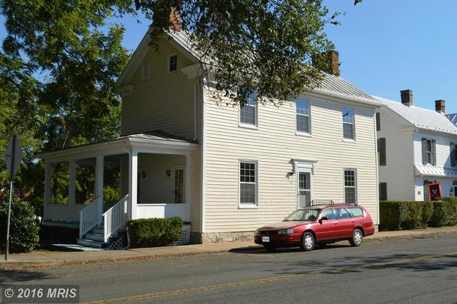 175 Holliday St S, Strasburg, VA 22657