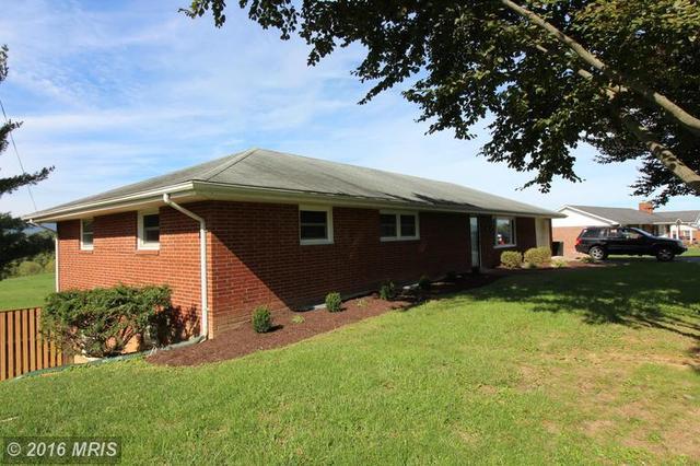 332 Eagle St, Woodstock, VA 22664