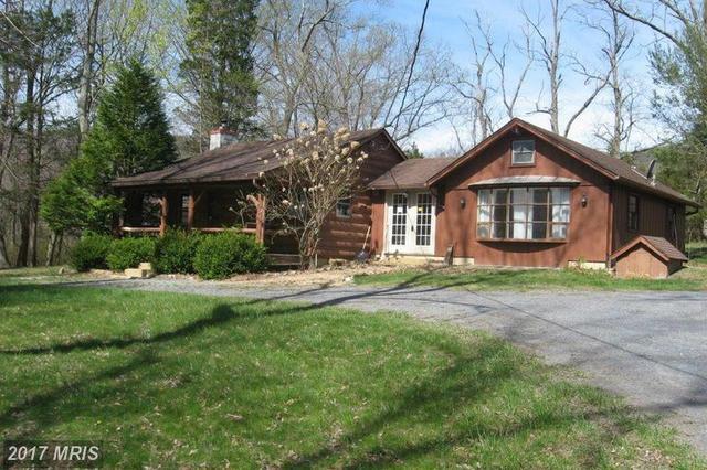 11 Pine Tree Ln, Fort Valley, VA 22652