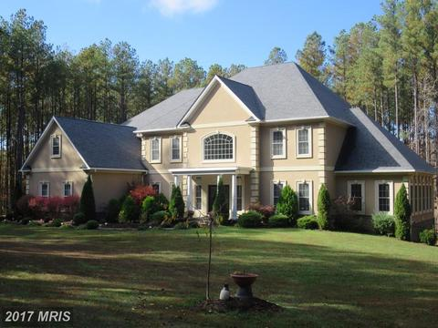 8330 Bearlake Dr, Spotsylvania, VA 22551