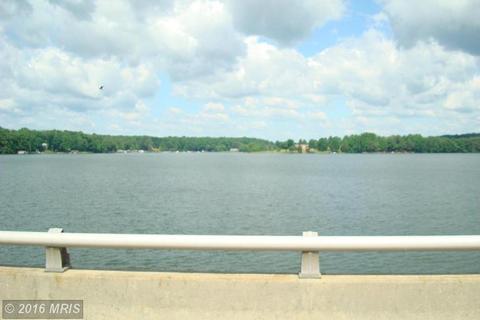 6400 Stubbs Bridge Rd, Spotsylvania, VA 22551