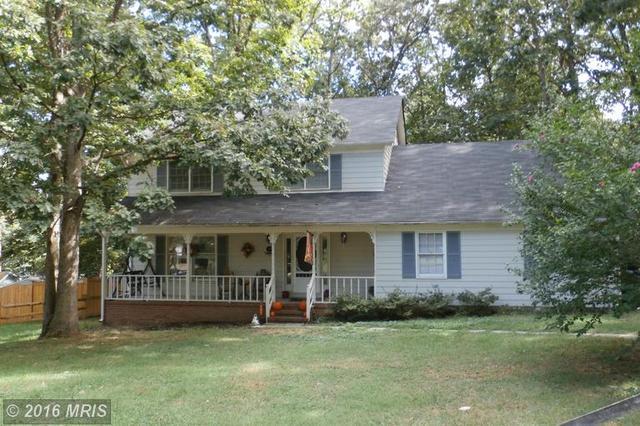 10 Rosewood Dr, Fredericksburg, VA 22408