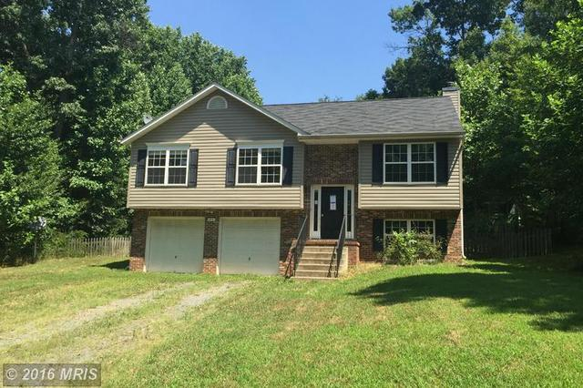 90 Hidden Lake Dr, Stafford, VA 22556