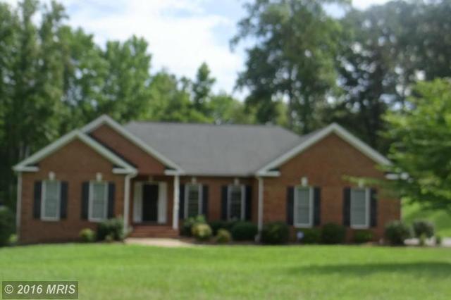 10 Fleetwood Farm Ln, Fredericksburg, VA 22405