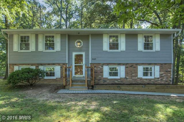 1137 Lakeview Dr, Stafford, VA 22556