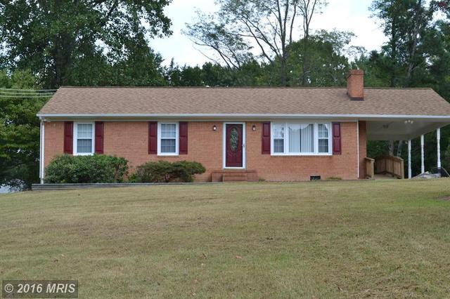 10 Wood Landing Rd, Fredericksburg, VA 22405