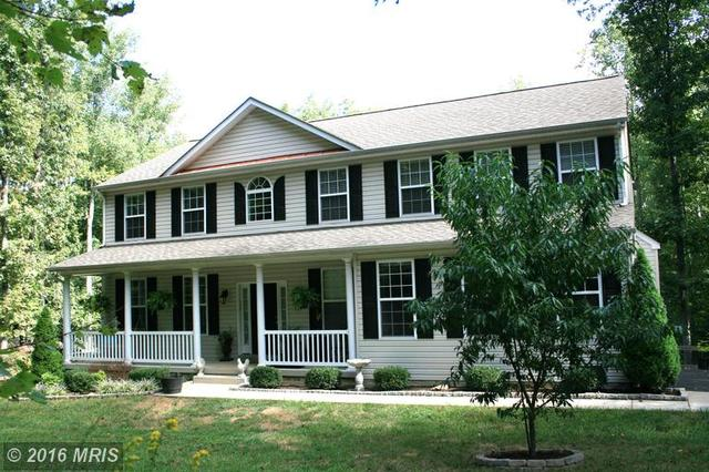224 Holly Berry Rd, Fredericksburg, VA 22406