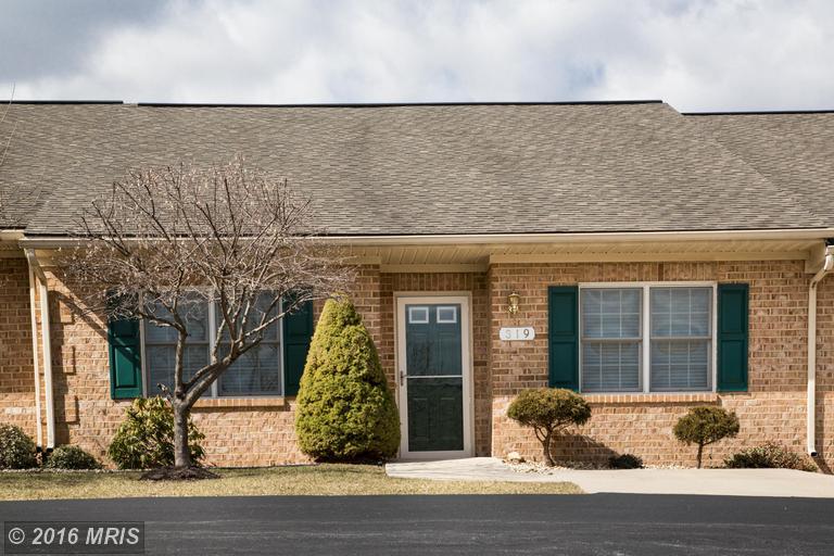 319 Sunbrook Ln #APT 98, Hagerstown, MD