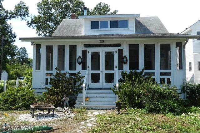 737 Irving Ave, Colonial Beach, VA 22443
