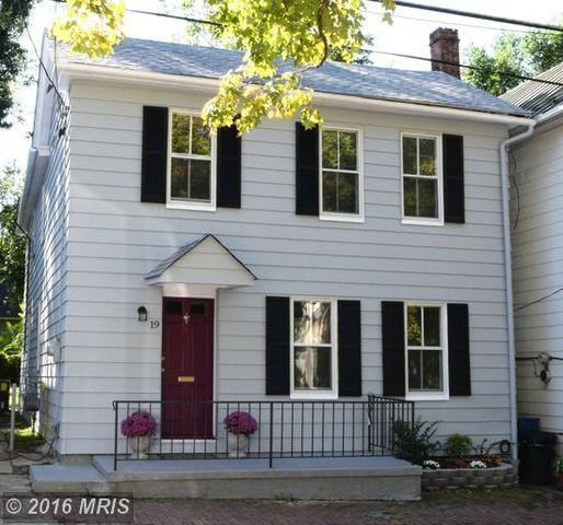 19 Peyton St, Winchester, VA 22601